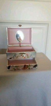Jewelry Box Salinas, 93906