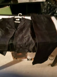 black jacket with matching pants size 8. Whitby, L1N 9E2