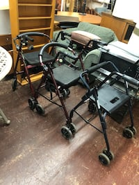 NICE SENIOR CITIZEN WALKERS WITH SEAT TO REST WITH BRAKES SOLD SEPARATELY  Los Angeles, 90032