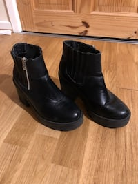 pair of black leather side zip boots Waltham Abbey, EN9 3NP