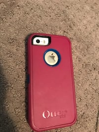 Gold iPhone 5s with pink and blue otter box Wilmot, N3A