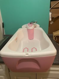 Summer Infant Lil Luxuries Whirlpool , bubbling Spa & Shower , pink