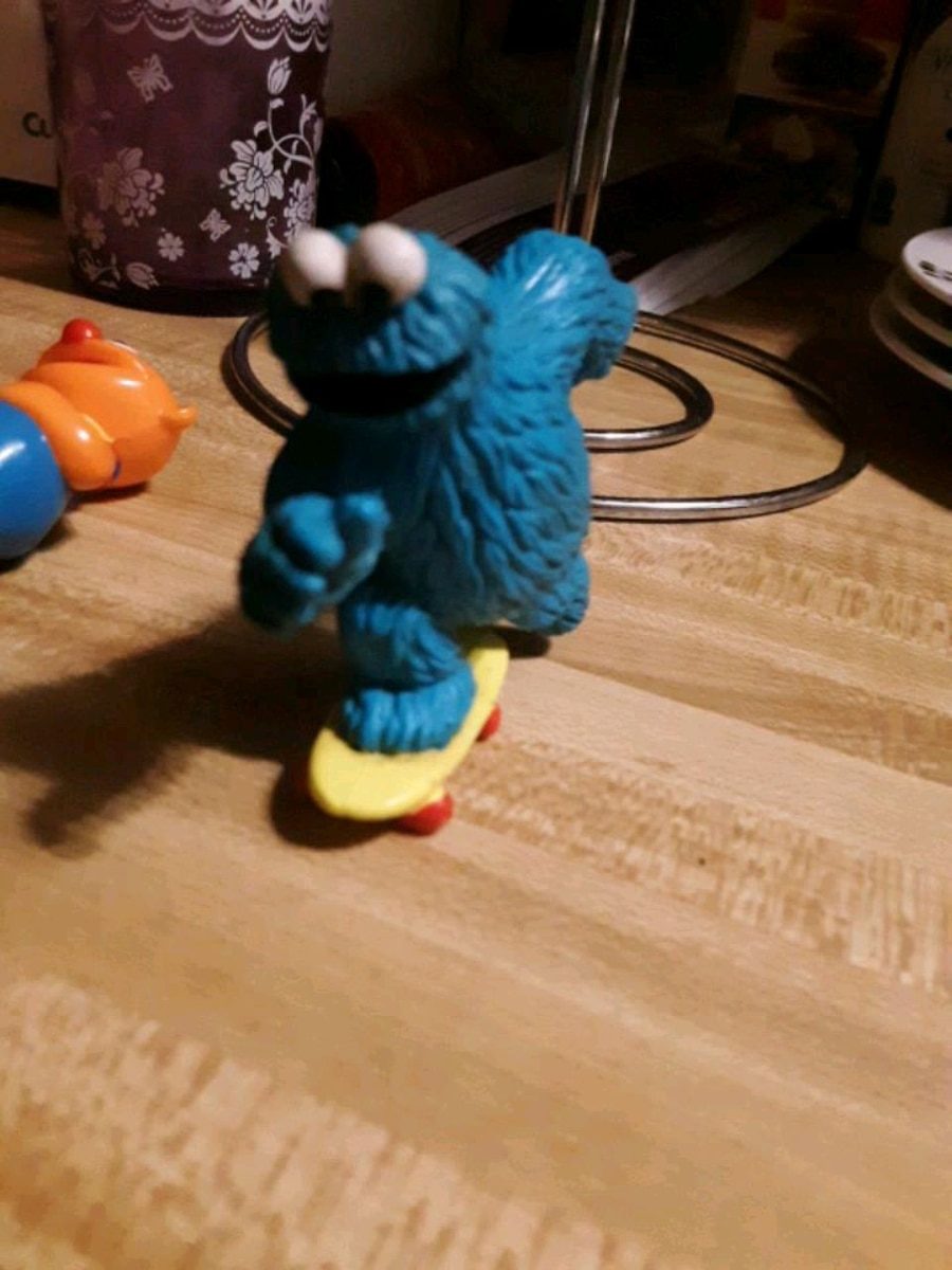 Photo Cookie monster on skate board