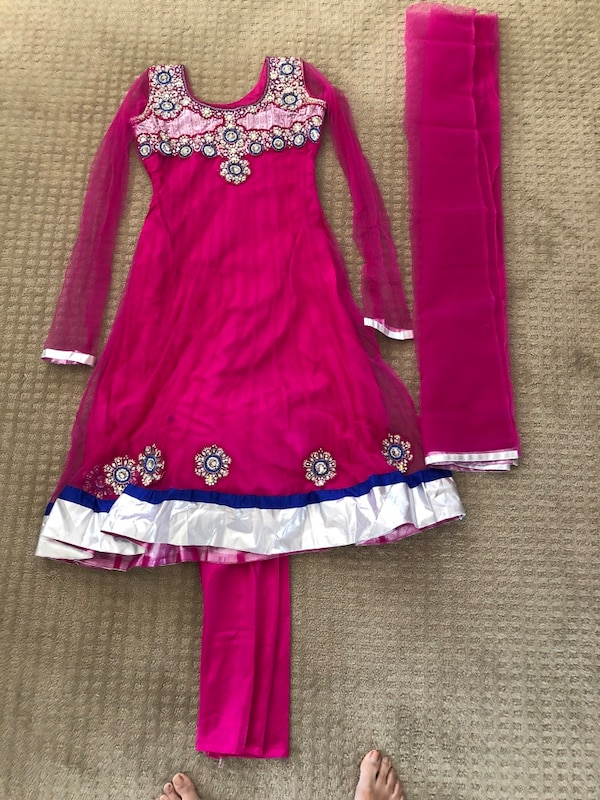 East Indian  outfit 6fb38d94-8eab-457b-bc87-2d9ef31827c3