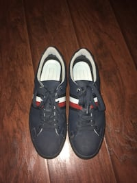Tommy hilfiger shoes Calgary, T3A 2K9