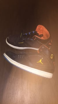 Pair of black air jordan basketball shoes Littleton, 80120