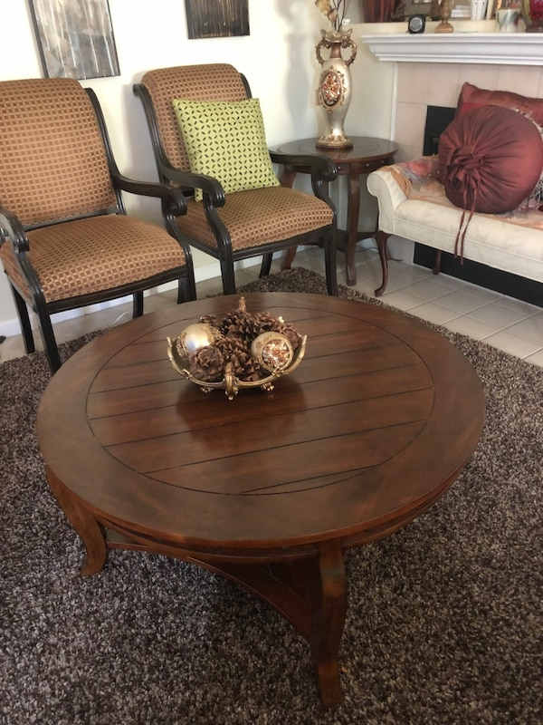 Nice Coffee Table and Side Table Set