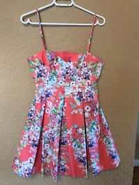 Ever New, cute floral summer dress, SIZE US 8 Vancouver, V5R 1H1