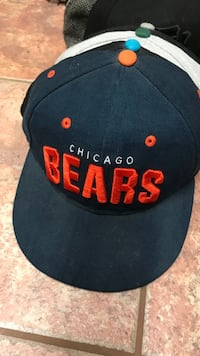 black and red Chicago Bulls cap Saanich, V8Y 1M2