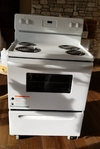 Frigidaire electric  Range Oven NEVER USED East Islip