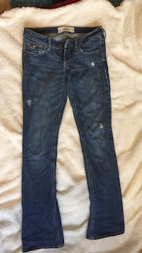 Hollister size 3r distressed jeans