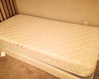 Twin mattress and box spring 172 mi