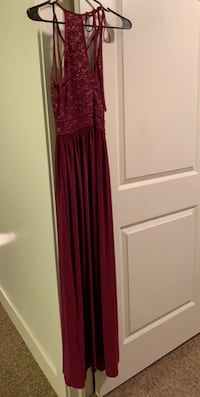 Formal dress bought for 200 asking 100 obo only been worn twice  Payson, 84651