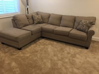 2 piece sectional sofa w/ 2 matching pillows Severn, 21144