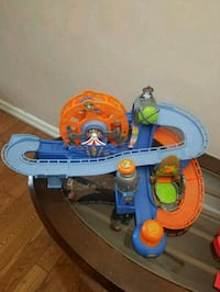 car track  very good condition. smoke and pet free Mississauga, L4T