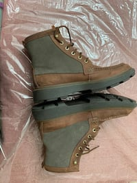 Clarks winter boots 11/12 size Toronto, M5A 0N1