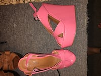 pair of pink leather open-toe heeled sandals Quebec City, G1X 3N3