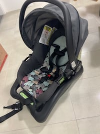 Infant Car Seat Cosco with Base
