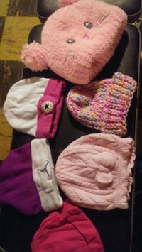 baby's pink and white knit cap Essex, 21221