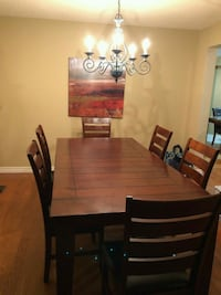 Wooden Dining Table with 6 chairs Mississauga, L5L 3A2