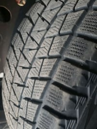 WInter/Snow Tires (mid-size SUV)  Whitby