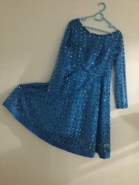 women's blue long-sleeved dress