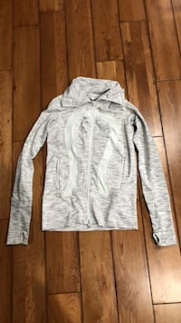 grey lululemon sweater Toronto, M1M