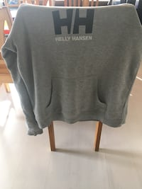 grå crew-neck shirt 6427 km