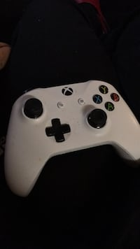 xbox game controller  Triangle, 22172