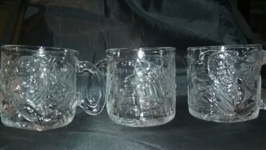 McDonald's Batman Forver 1995 glass/mug set e2e76907-ac2c-488b-b626-7115f2152154