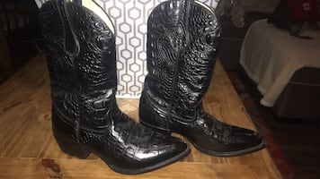 Boots 9.5