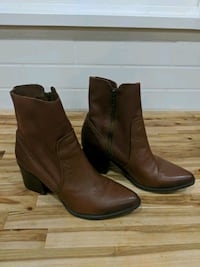 Size 9 womens Steve madden brown leather boots Mission, V4S 1H9