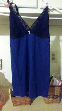 Blue shirt size small Indianapolis, 46225
