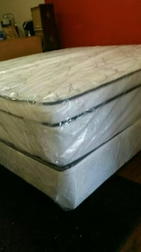 white and gray floral mattress new King set can de Palmetto, 34221