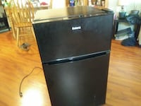 black top-mount refrigerator null