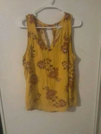 women's yellow and white floral sleeveless top Calexico, 92231