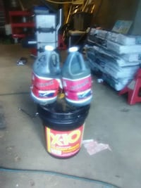 Blacktop sealers come get it obo Youngstown, 44509