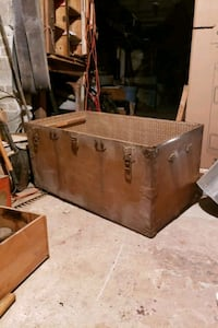 Old Chest. Good for storage, as a toy box etc Laval, H7M