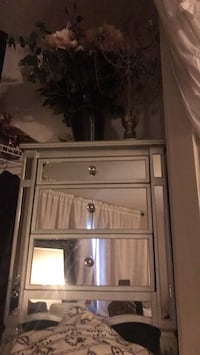 macy silverleafed mirrornightstand Washington, 20024