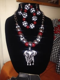 silver elephant pendant necklace with bracelet and earrings Yuma, 85365