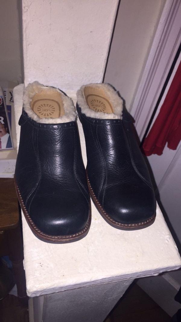 575ce149c4e Used New Never Worn Ugg Shoes Size 7 for sale in New York - letgo
