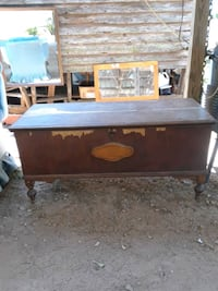 Old timey cedar chest priced to sell Danielsville, 30633