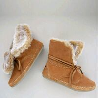 Toms Zahara Suede Fur Lined Boots. BRAND Toronto, M3J