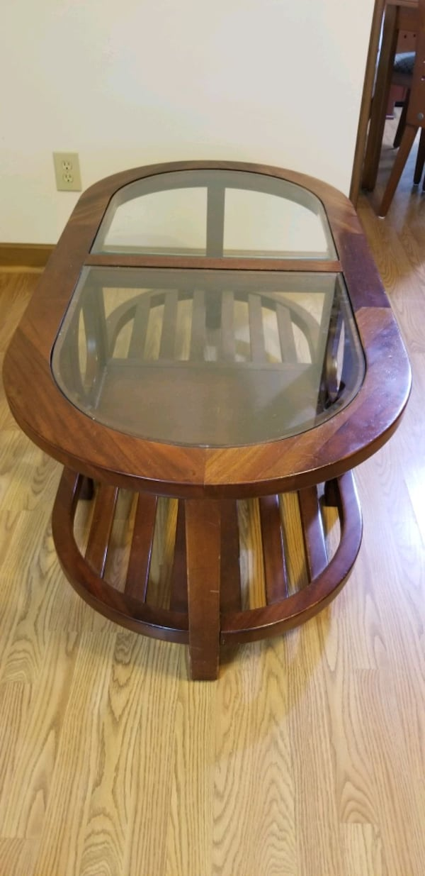 Coffee table solid wood and glass e5f6da01-7ef5-468a-9659-87c58b7fc5ee