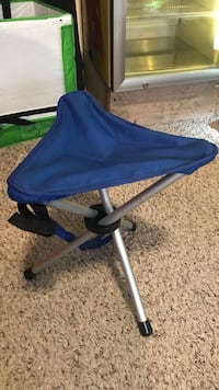 blue and white high chair Pacifica, 94044