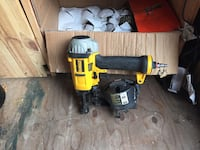 yellow and black DeWalt cordless power drill Laval, H7N 1S7