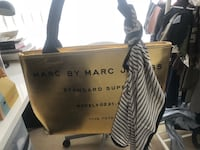 Marc jacobs bag. 2 months old   Burnaby, V5A 4C1