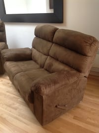 Brown fabric recliner 2 seat couch Montréal, H1X 3A7