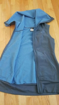 blue zip-up vest Clinton, 20735