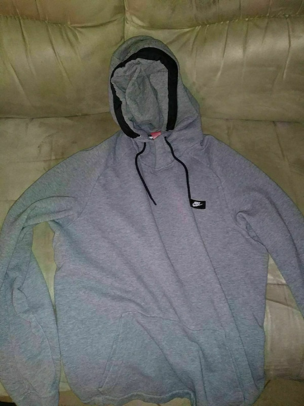 9f73b2303 Used gray Nike pullover hoodie for sale in Fort Worth - letgo